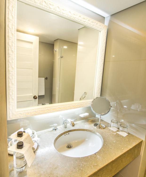 Standard Bathroom GHL Hotel Hamilton Hotel GHL Collection Hamilton Bogota
